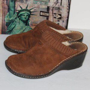 UGG Gael 1934 Clog Mules Women size 9